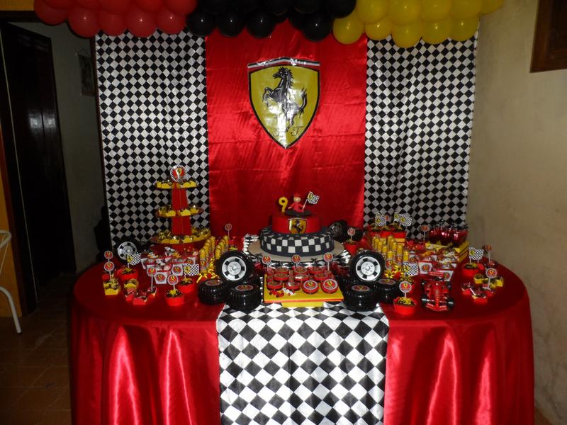 Mesa de Doces Ferrari: