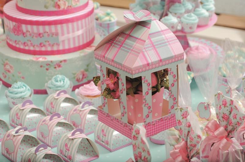 Copinhos que podem ser usados na decoração com docinhos dentro