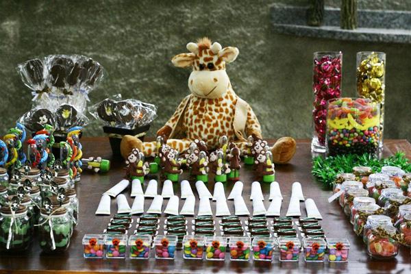 Bisnaguinhas brigadeiro e doces Festa Safari