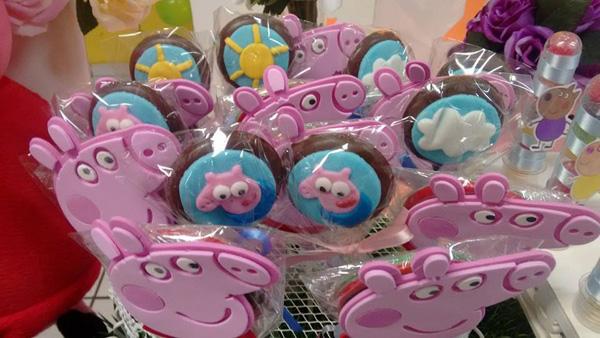 Pirulitos Festa Peppa Pig da Isabella