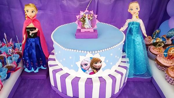 Bolo Festa Frozen da Maria Luisa