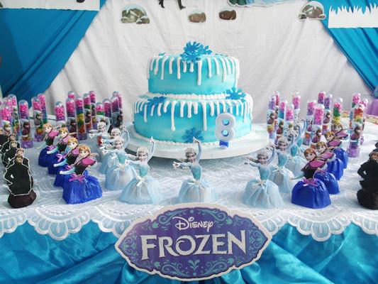 Bolo e Doces Festa Frozen da Ana Beatriz