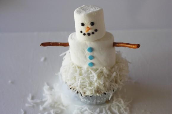 Passo a Passo Boneco de Neve com Cupcake e Marshmallow 7