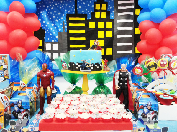 Festa Esquadrão de Heróis
