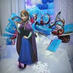 Pirulitos Festa Frozen da Lívia e BeatrizPirulitos Festa Frozen da Lívia e Beatriz