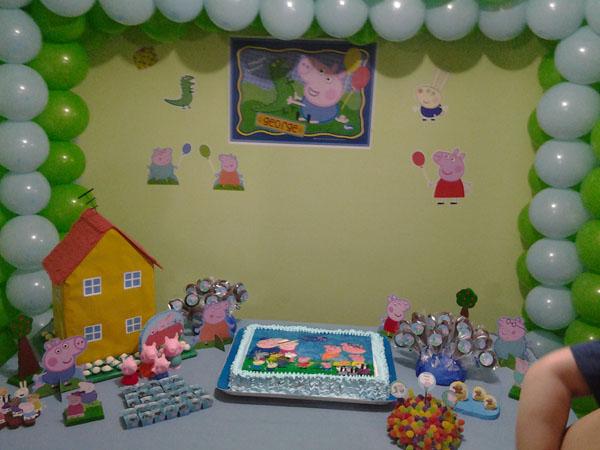 Bolo e Doces Festa George Pig do Fabricio