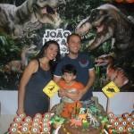 Festa Dinossauros do João Lucas - Papai, João Lucas e Mamãe