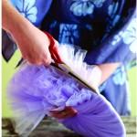 Como fazer pompom de tule 3