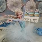 Enfeite com Tule Elza Festa Frozen da Sarah