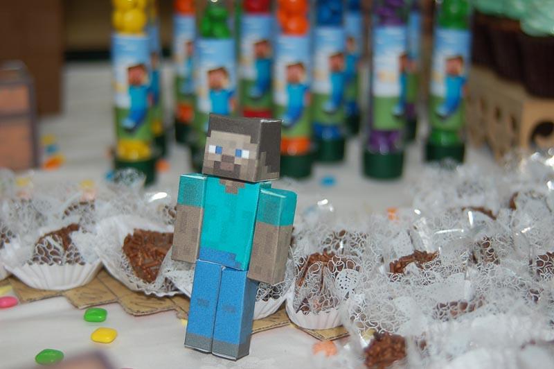 Boneco 3D Festa Minecraft do Lucas