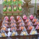 Caixa Pirâmide Festa Safari da Myrrha