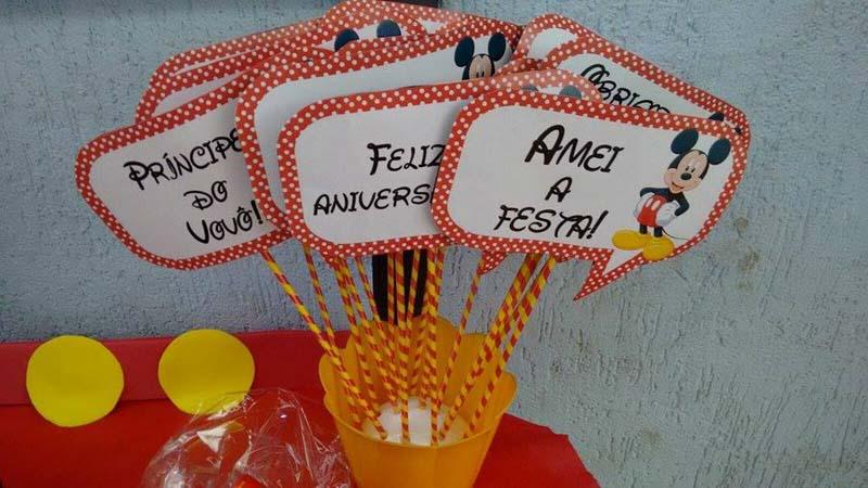 Plaquinhas divertidas Festa Mickey do Nicolas