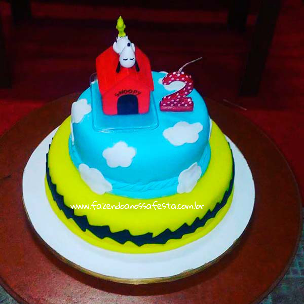 Bolo Festa Infantil Snoopy do Pedro