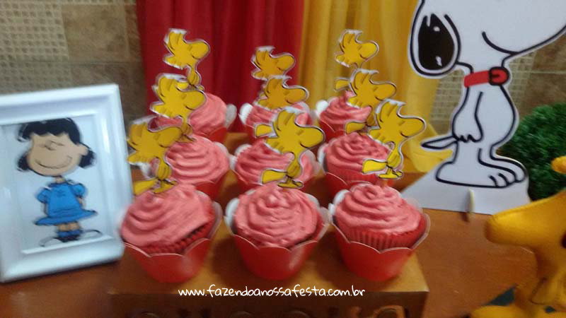Cupcakes 2 Festa Infantil Snoopy do Pedro