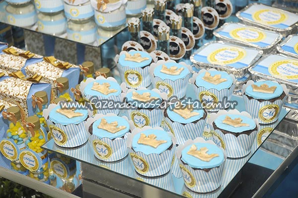 Saias Wrappers para Cupcakes Festa Coroa de Principe do Miguel