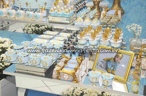 Saias Wrappers para Cupcakes Festa Coroa do Miguel
