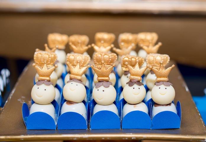 Brigadeiros decorados - Ideias Festa Príncipe Arthur