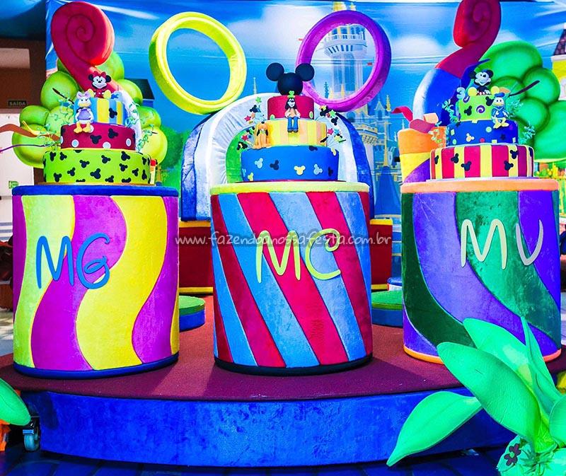Mesa dos bolos Perylampo recria tema Disney