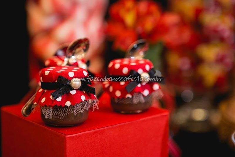 Brigadeiro Festa Minnie Vermelha da Maria Clara