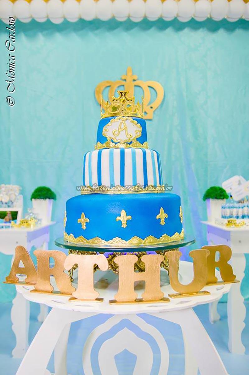 Bolo Festa Realeza do Arthur