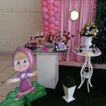 Mesa com doces Festa Marsha e o Urso Pietra
