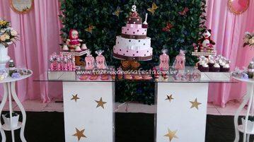 Mesa do bolo Festa Marsha e o Urso Pietra