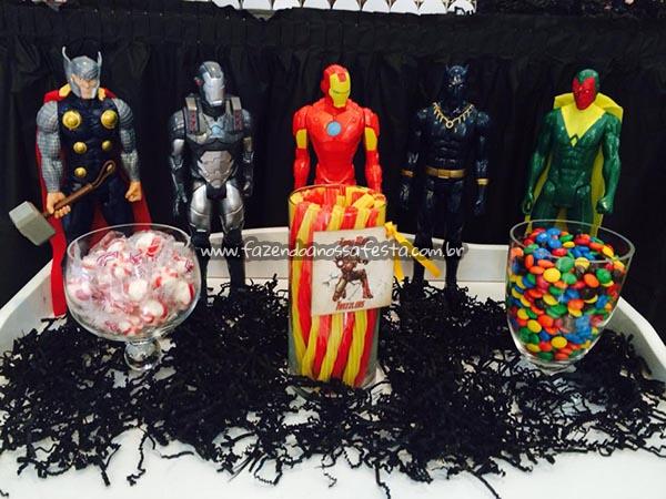 Detalhes decoracao Festa Infantil Vingadores do Luca