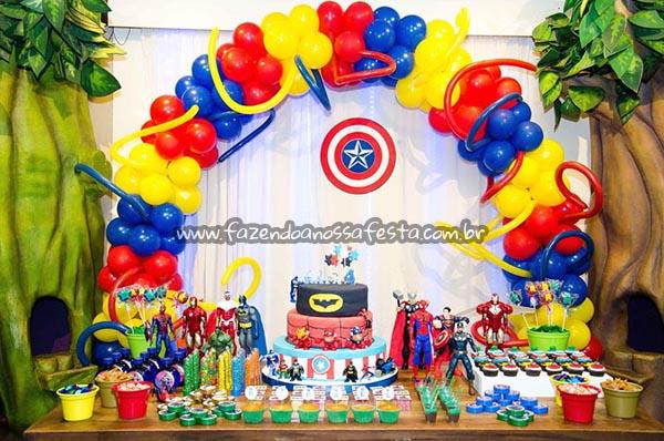 Painel de festa com Arco de Balões