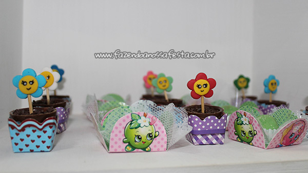 Docinhos 2 Festa Infantil Shopkins