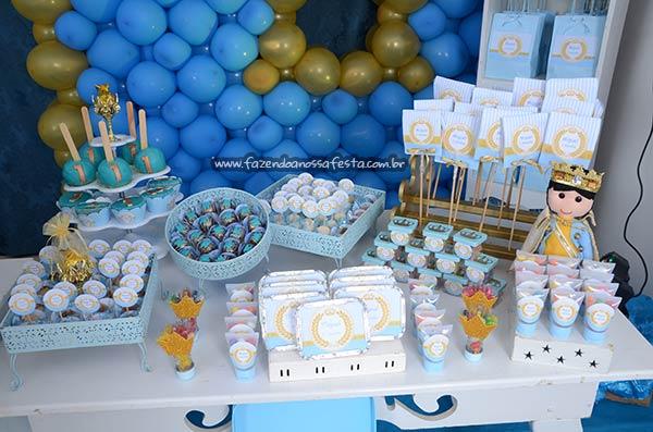 Mesa dos doces Festa Príncipe Miguel 1 ano