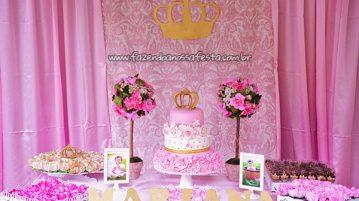 Mesa dos doces Festa Realeza da Mariana