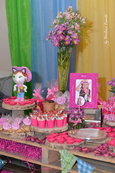 Mesa dos doces Festa Infantil Xerife Callie