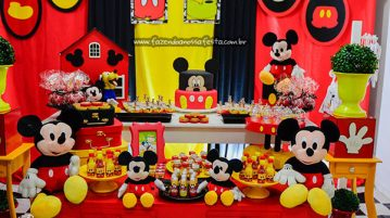 Mesa dos doces Festa Mickey do Emanuel