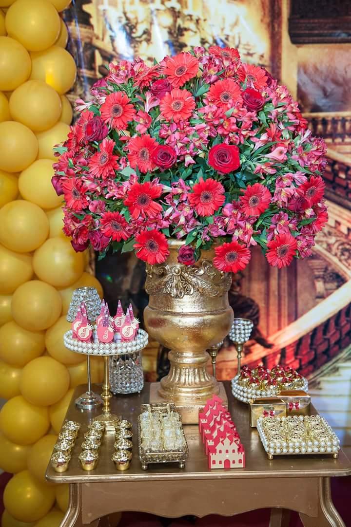 Arranjo de Flor Festa Coroa de Princesa da Isabela