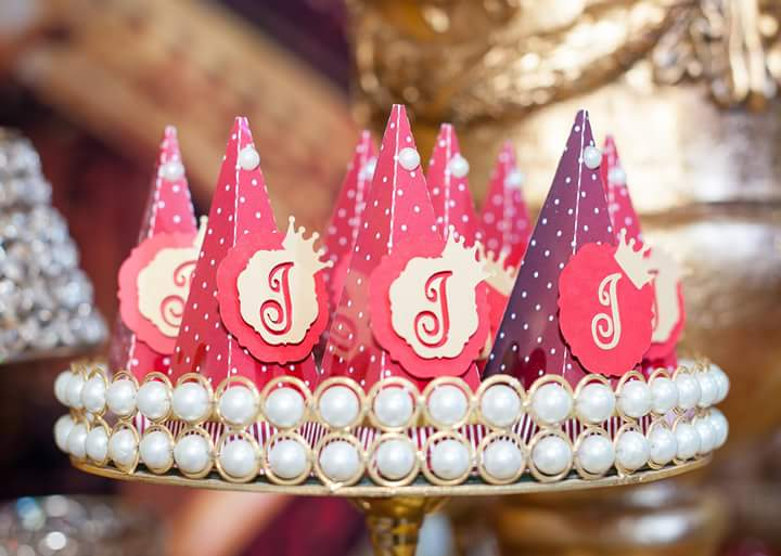Caixa Pirâmide Festa Coroa de Princesa da Isabela