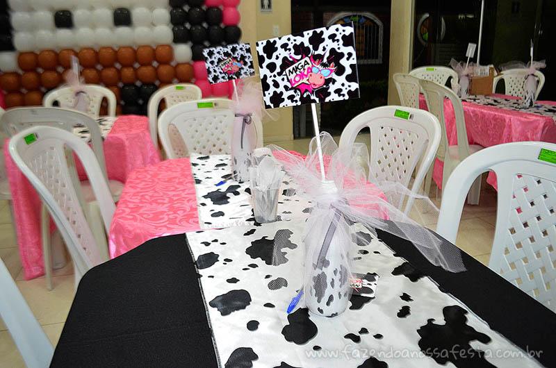 Detalhes mesa Festa Miga sua Loka da Kelly