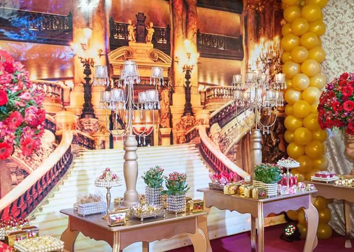 Mesa dos doces Festa Coroa de Princesa da Isabela