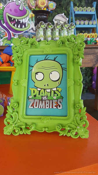 Quadro Festa Infantil Plants vs Zombies