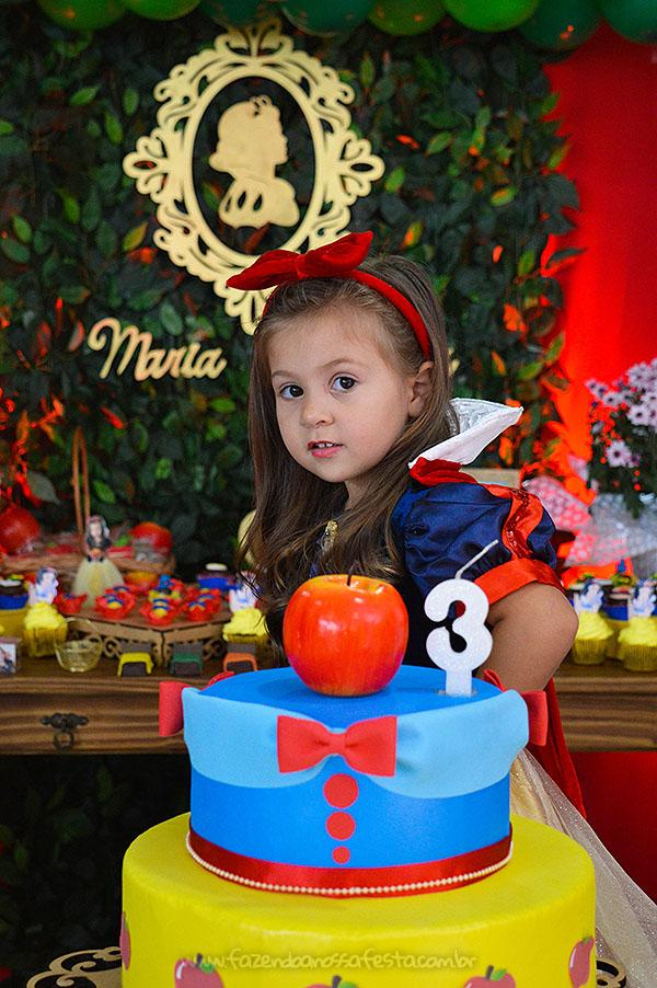 Bolo Fake Festa Branca de Neve da Maria Valentina
