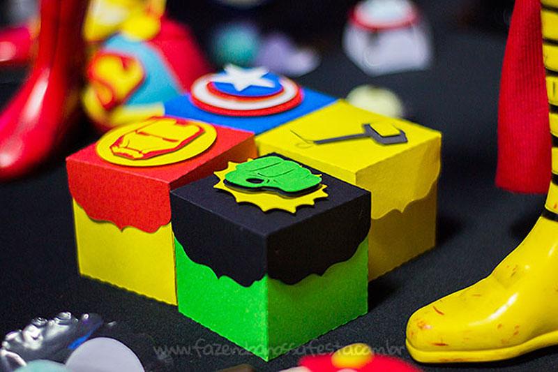Caixinhas Festa Infantil Super-Heróis do Heitor