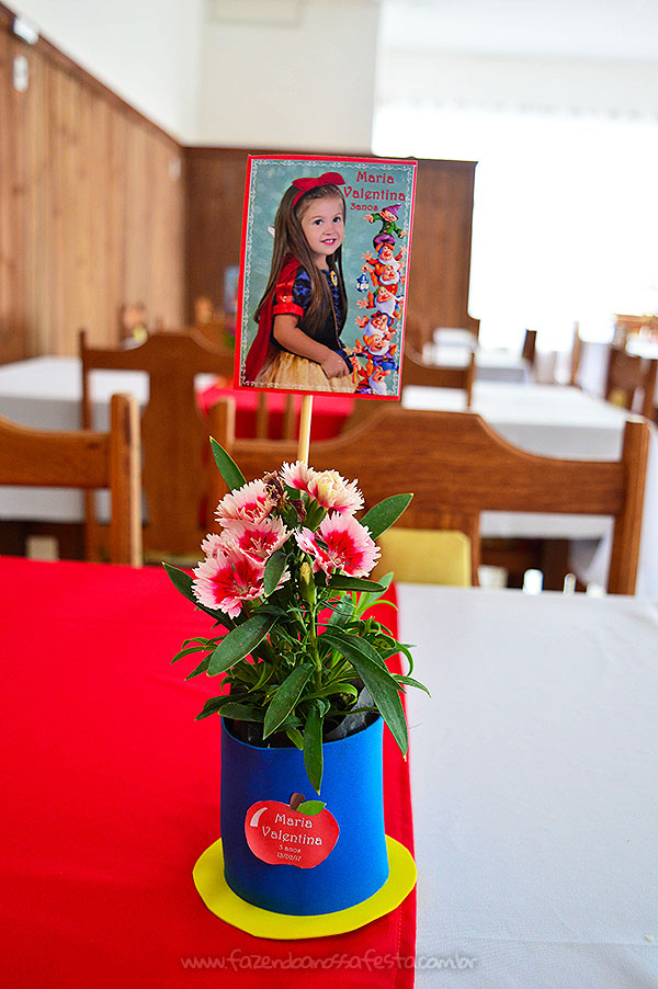 Centro de Mesa Festa Infantil Branca de Neve da Maria Valentina
