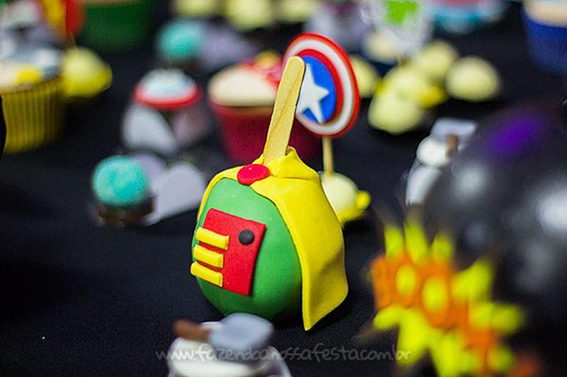 Quadrinho Festa Infantil Super-Heróis do Heitor