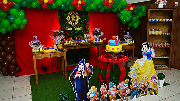 Festa Branca de Neve da Maria Valentina Ideias