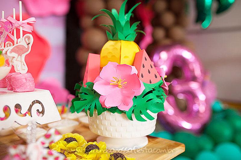 Centro de mesa Festa Infantil Tropical Chic da Geovanna