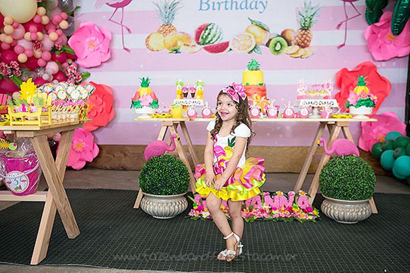 Festa Tropical Chic da Geovanna 33