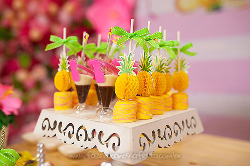 Festa Tropical Chic da Geovanna 32