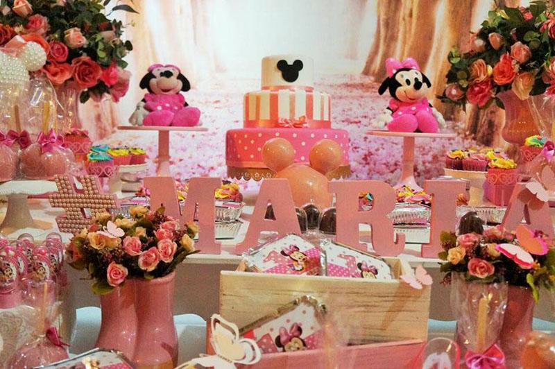 Mesa dos doces Festa Infantil Minnie Baby da Maria