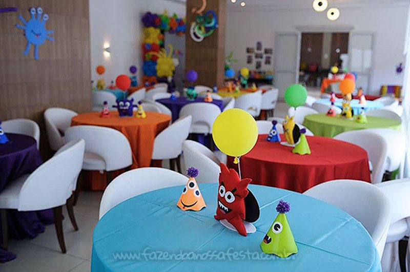 Centro de mesa Festa Monstrinhos do Pedro
