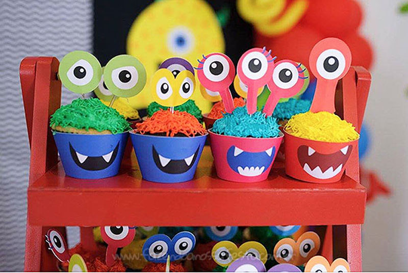 Cupckaes Festa Infantil Monstrinhos do Pedro