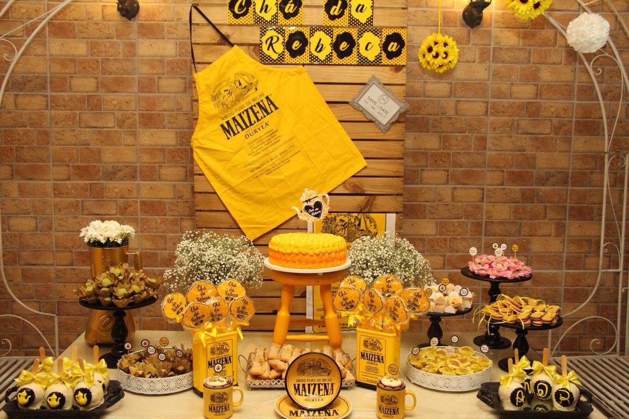 Mesa doces Festa Maizena da Rebeca